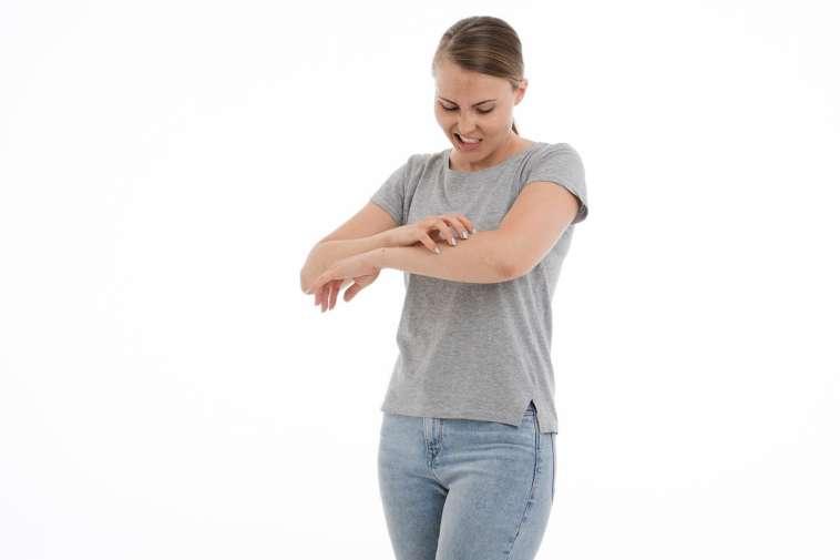 体のあちこちに湿疹のようなミミズ腫れが出来る